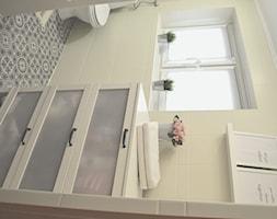 Szybka metamorfoza łazienki - Mała łazienka, styl skandynawski - zdjęcie od boredomdecor