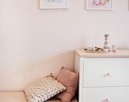 Pokój dziewczynki, metamorfoza mieszkania - zdjęcie od IN studio - Homebook