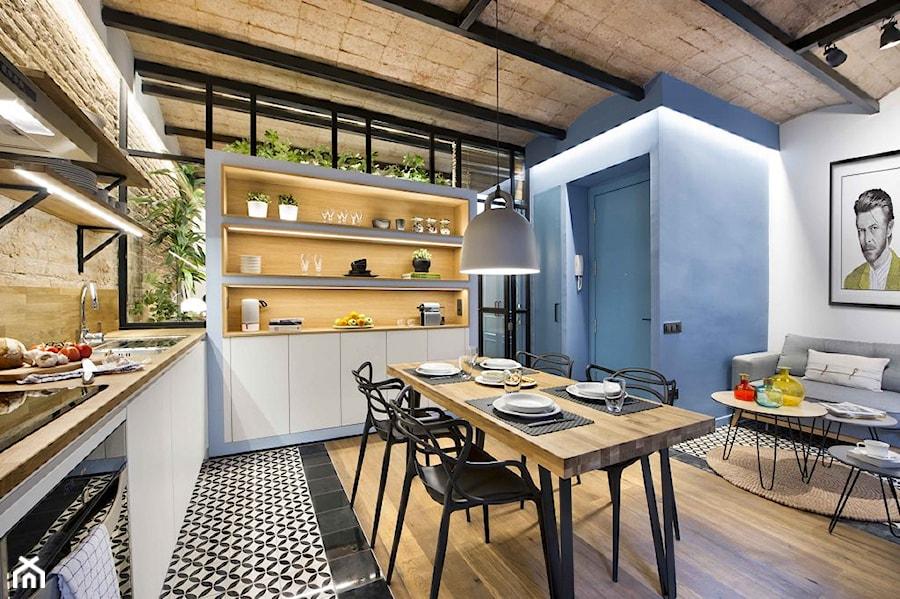 Urban Beach Home Duza Otwarta Niebieska Kuchnia W Ksztalcie Litery