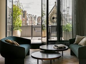 Niesamowity hotel z widokami na dachy Paryża