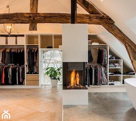 Szafa pod skosem – jaką wybrać i jak zaprojektować szafę na poddaszu?