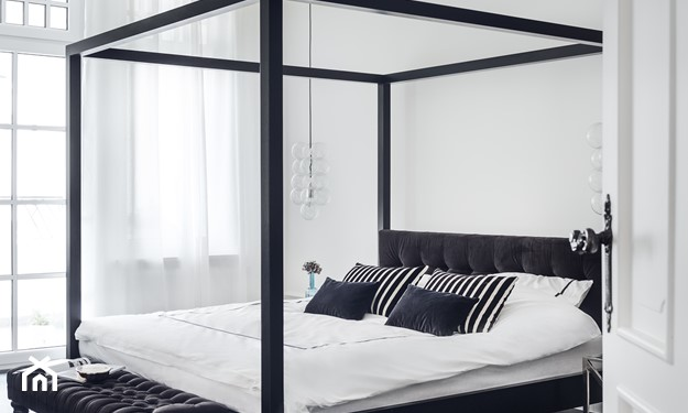 łóżko z baldachimem nowoczesne
