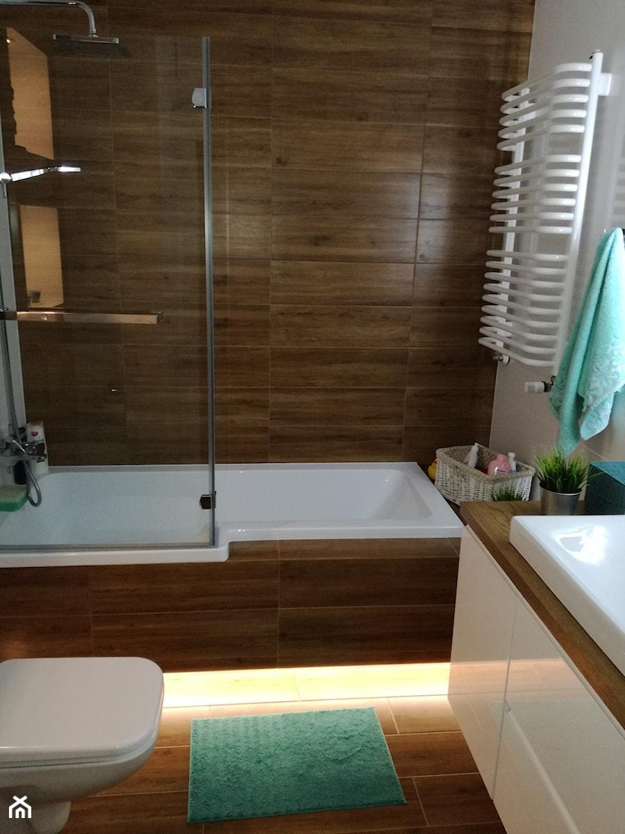 łazienka Biel I Drewno Mała łazienka W Bloku W Domu