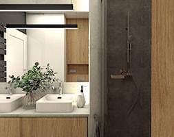 Połączenie w łazience koloru ciepłego dębu z szarościami - zdjęcie od OroConcept Anna Orowiecka-Stanisławska - Homebook