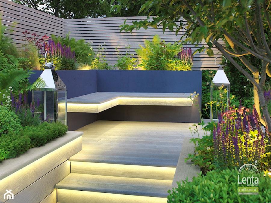 Oświetlenie Led W Ogrodzie Zdjęcie Od Lenta Wood Composite