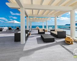 Taras+na+dachu+hotelu+-+zdj%C4%99cie+od+Lenta+Wood+Composite