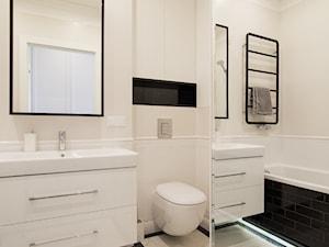 Funkcjonalne mieszkanie dla całej rodziny - Średnia beżowa łazienka w bloku w domu jednorodzinnym bez okna, styl glamour - zdjęcie od alinabadora.pl