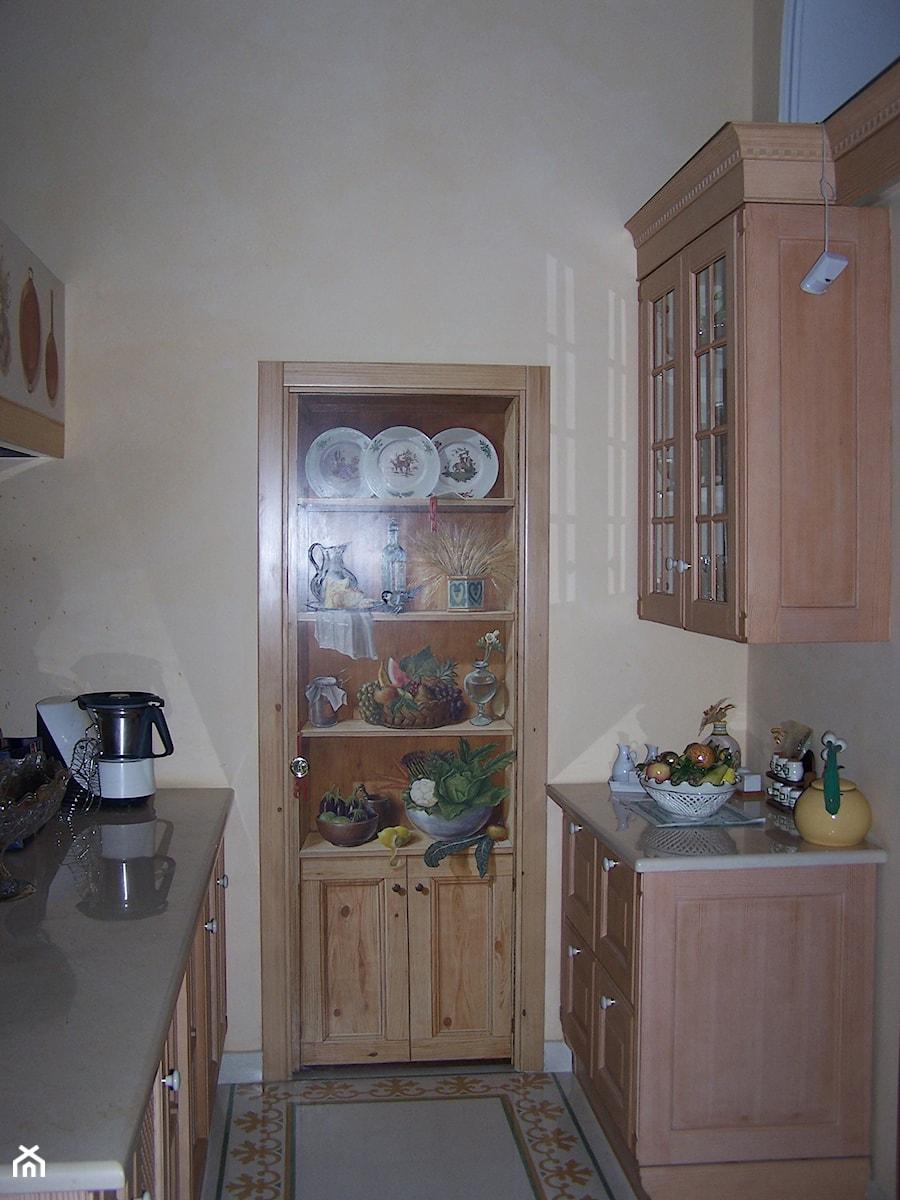 Drzwi Do Spiżarni Przy Kuchni Zdjęcie Od Aipdekor Homebook