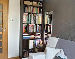 Mieszkanie - Śląsk - Małe szare biuro domowe w pokoju, styl nowoczesny - zdjęcie od Martyna Kowalewska - Projekt DOM²