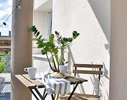 balkon+-+z+miejscem+na+kaw%C4%99+-+zdj%C4%99cie+od+Projektowanie+wn%C4%99trz+Olga+Januszkiewicz
