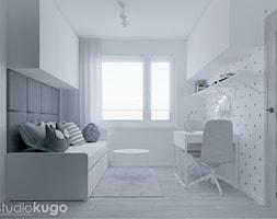 Pokój dwóch dziewczynek - Mały biały szary pokój dziecka dla chłopca dla dziewczynki dla ucznia dla nastolatka - zdjęcie od Studio kugo