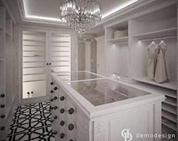 Garderoba glamour - Duża otwarta garderoba oddzielne pomieszczenie, styl glamour - zdjęcie od DemoDesign Jacek Staniszewski Studio projektowania wnętrz