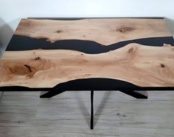 Stolik kawowy z orzecha włoskiego i czarnej żywicy - Salon, styl nowoczesny - zdjęcie od ForRest-Concept