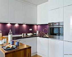 Odrobina fioletu (konkurs) - zdjęcie od InStudio Przestrzeń Udomowiona