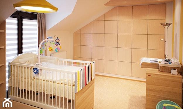 betonowe płytki na ścianie w pokoju dziecka