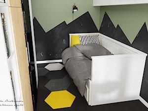 Oliwkowy pokoik dziecięcy - Mały zielony czarny pokój dziecka dla chłopca dla malucha dla nastolatka, styl nowoczesny - zdjęcie od DOBRY UKŁAD-Sandra Białkowska