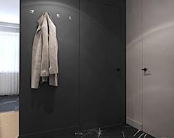 Mieszkanie w kolorze kaszmiru - Mały czarny szary hol / przedpokój, styl nowoczesny - zdjęcie od Ambience. Interior design