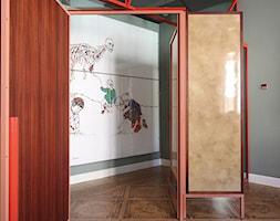 Wnętrze weneckiej kamienicy - Duży szary zielony hol / przedpokój, styl eklektyczny - zdjęcie od JUNG Polska - Homebook