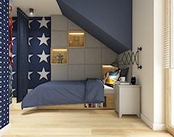 Z folklorem w tle - Średni biały szary niebieski pokój dziecka dla chłopca dla nastolatka - zdjęcie od WERDHOME