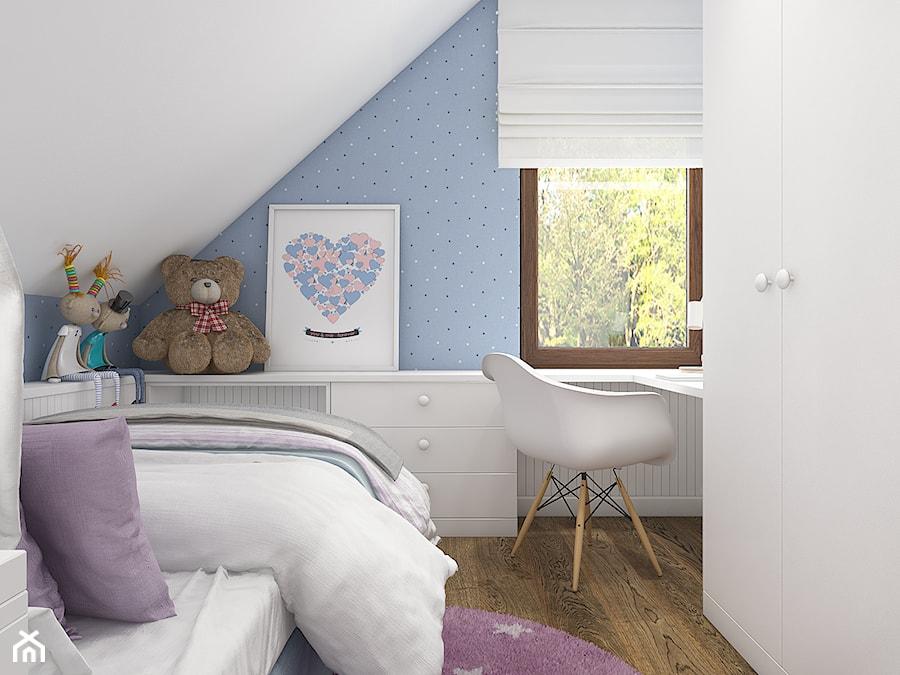 Z indygo - Mały pastelowy niebieski pokój dziecka dla dziewczynki dla nastolatka - zdjęcie od WERDHOME