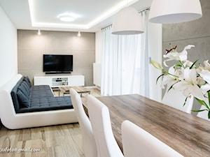 DOM W MIEŚCIE - Średni biały beżowy salon z jadalnią - zdjęcie od HOUSE DESIGN