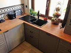 Płytki nad blatem w kuchni