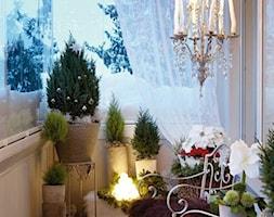 Zimowa weranda - Średni taras z tyłu domu - zdjęcie od KarinaPe