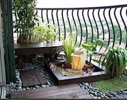 Ogród na balkonie - Średni taras z tyłu domu - zdjęcie od KarinaPe