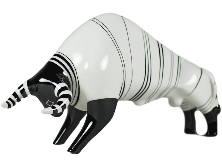 Figurka porcelanowa Byk duży biały, proj. W. Potacki, AS Ćmielów Zwierzęta Kategoria Figury i rzeźby Ceramika Drewno Kolor Czarny