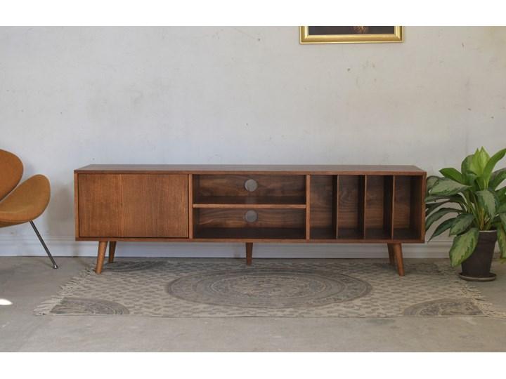 Komoda LOTV Vinyl 200, Pastform Furniture Wysokość 57 cm Głębokość 40 cm Szerokość 200 cm Drewno Styl Skandynawski