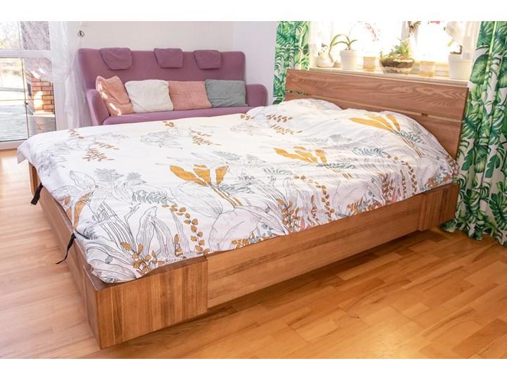Beriet łóżko z drewna bukowego lewitujące 140x200 cm, wybarwienie orzech (OR) Pojemnik na pościel Z pojemnikiem Łóżko drewniane Rozmiar materaca 140x210 cm
