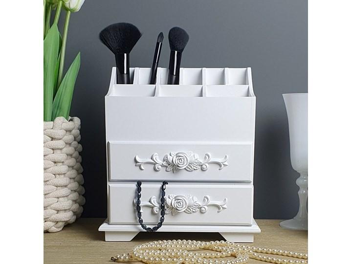 Komódka , organizer na kosmetyki i bizuterie. Kategoria Pojemniki do łazienki Drewniane Pojemnik na akcesoria kosmetyczne Kolor Biały