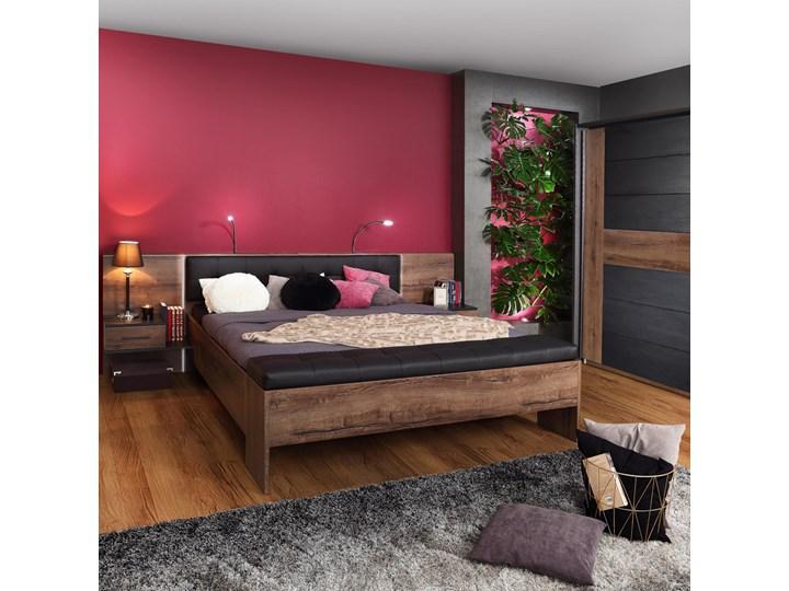 SELSEY Łóżko Akashito 180x200 cm z szafkami nocnymi Łóżko drewniane Kategoria Łóżka do sypialni