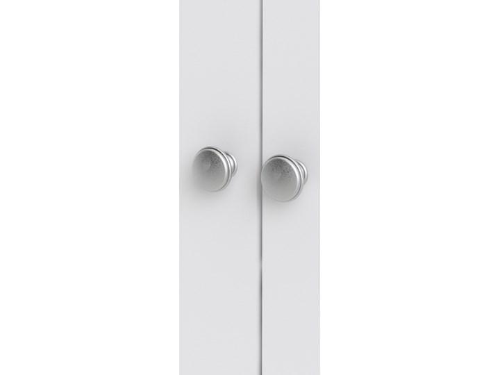 Trzydrzwiowa szafa ubraniowa na nóżkach Madrid 3D biały mat Wysokość 199 cm Szerokość 150 cm Głębokość 58 cm Ilość drzwi Trzydrzwiowe