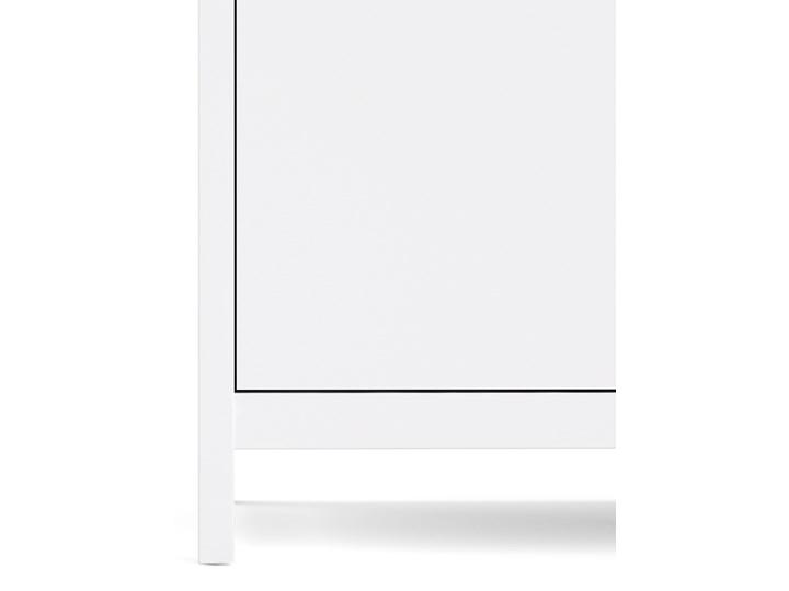 Trzydrzwiowa szafa ubraniowa na nóżkach Madrid 3D biały mat Wysokość 199 cm Głębokość 58 cm Szerokość 150 cm Ilość drzwi Trzydrzwiowe