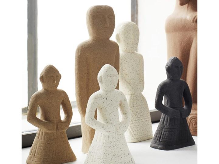 FIGURKA KAMIENNA PERSON MADAM STOLTZ Kategoria Figury i rzeźby Kamionka Kolor Czarny