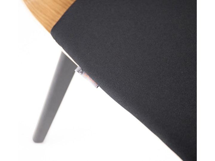 LUKA W PS krzesło dębowe, miękkie siedzisko czarna rama Wysokość 48 cm Drewno Płyta MDF Głębokość 40 cm Tkanina Wysokość 87 cm Głębokość 41 cm Szerokość 40 cm Tapicerowane Kolor Czarny