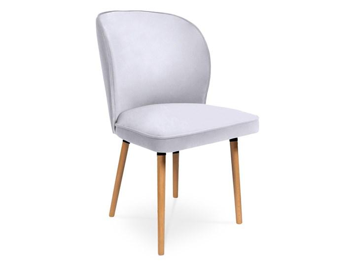 Bettso Krzesło RINO jasny szary / PA05 Tapicerowane Tkanina Głębokość 47 cm Szerokość 54 cm Wysokość 87 cm Głębokość 60 cm Drewno Wysokość 46 cm Szerokość 87 cm Styl Nowoczesny