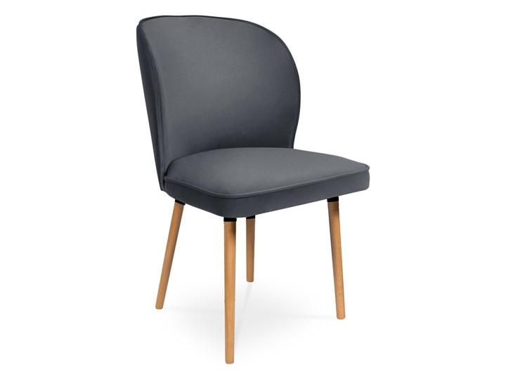 Bettso Krzesło RINO ciemny szary / PA06 Wysokość 87 cm Drewno Wysokość 46 cm Głębokość 60 cm Szerokość 87 cm Tkanina Głębokość 47 cm Szerokość 54 cm Styl Nowoczesny Pomieszczenie Jadalnia