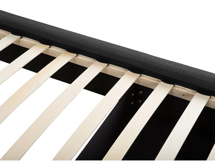 Łóżko ciemnoszare tapicerowane 160 x 200 cm z pojemnikiem i stelażem pikowany zagłówek Łóżko tapicerowane Kategoria Łóżka do sypialni Kolor Czarny