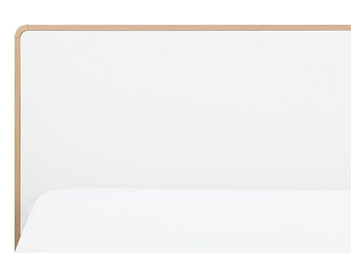 Łóżko białe jasne drewno 180 x 200 cm z ramą stelażem i zagłówkiem skandynawski design minimalistyczne Łóżko drewniane Kategoria Łóżka do sypialni Kolor Beżowy
