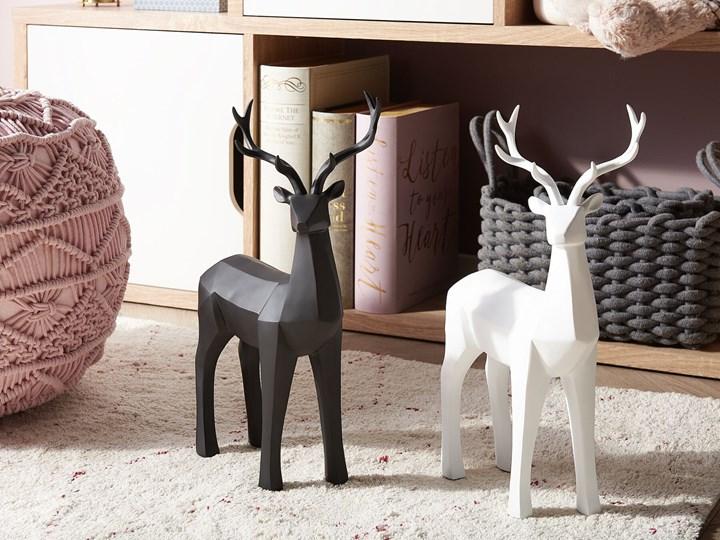 Figurka dekoracyjna renifer biała żywica syntetyczna 40 x 24 cm geometryczna styl skandynawski Kolor Biały Zwierzęta Kategoria Figury i rzeźby