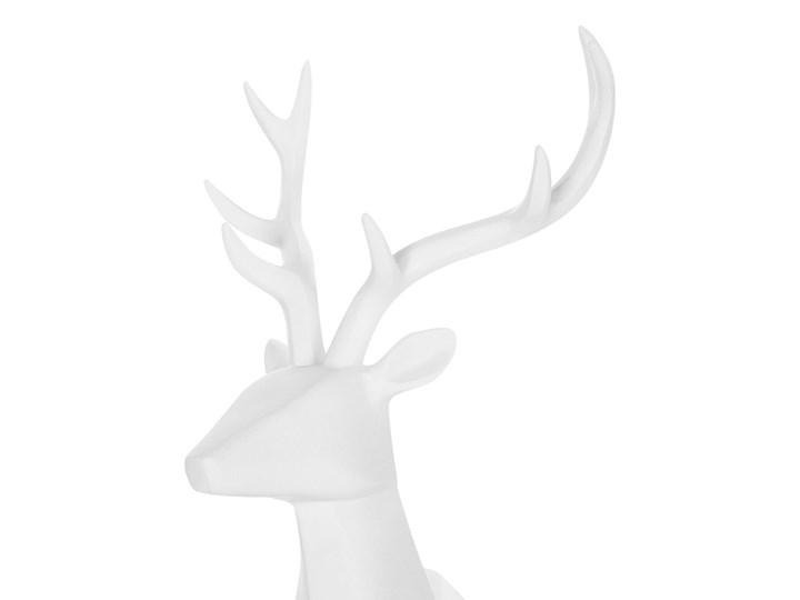 Figurka dekoracyjna renifer biała żywica syntetyczna 40 x 24 cm geometryczna styl skandynawski Zwierzęta Kolor Biały