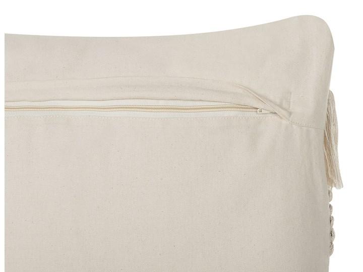 Poduszka dekoracyjna beżowa bawełniana z frędzlami 45 x 45 cm retro z wypełnieniem ozdobna akcesoria salon sypialnia Bawełna Kolor Beżowy Kwadratowe 45x45 cm Kategoria Poduszki i poszewki dekoracyjne