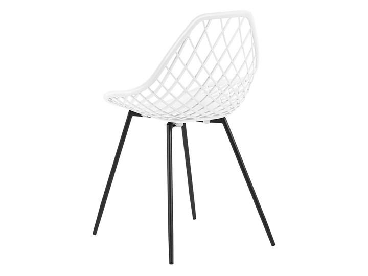 Zestaw 2 krzeseł białych tworzywo sztuczne czarne metalowe nogi styl nowoczesny skandynawski Pomieszczenie Jadalnia