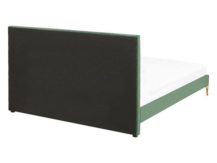 Łóżko welurowe zielone 160 x 200 cm tapicerowane złote nóżki wezgłowie oparcie glamour nowoczesne Łóżko tapicerowane Kolor Zielony