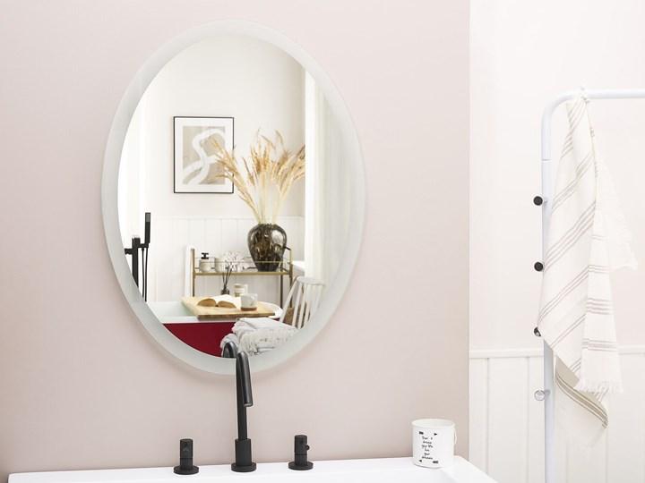 Lustro łazienkowe owalne srebrne 60 x 80 cm z podświetleniem LED system zapobiegający parowaniu Lustro bez ramy Ścienne Kategoria Lustra Pomieszczenie Łazienka