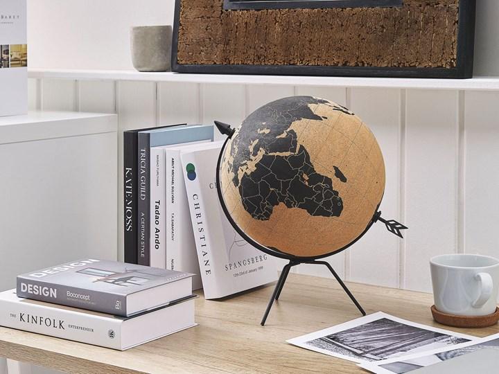 Figurka dekoracyjna globus brązowy korek 25 cm Globusy Metal Kategoria Figury i rzeźby