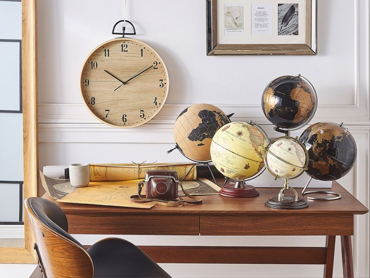 Figurka dekoracyjna globus brązowy korek 25 cm Metal Kolor Czarny Globusy Kategoria Figury i rzeźby