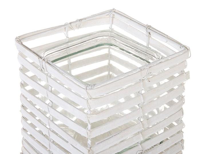 Zestaw 3 świeczników białe drewniane kwadratowe wysokie różne rozmiary boho design szklany pojemnik Metal Żelazo Drewno Kolor Biały Szkło Kategoria Świeczniki i świece